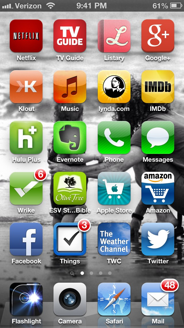 My method for organizing my iphone icons for Cool way to arrange iphone apps